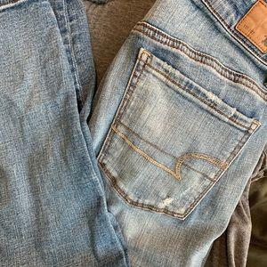 AEO Distressed light wash Jeans